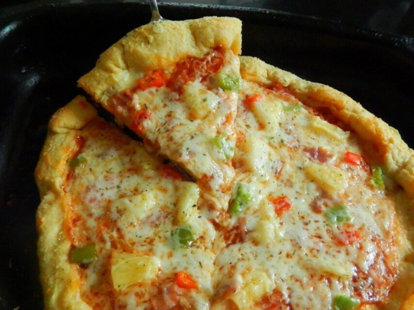 BBQ Hawaiian Pizza with CheesyBites