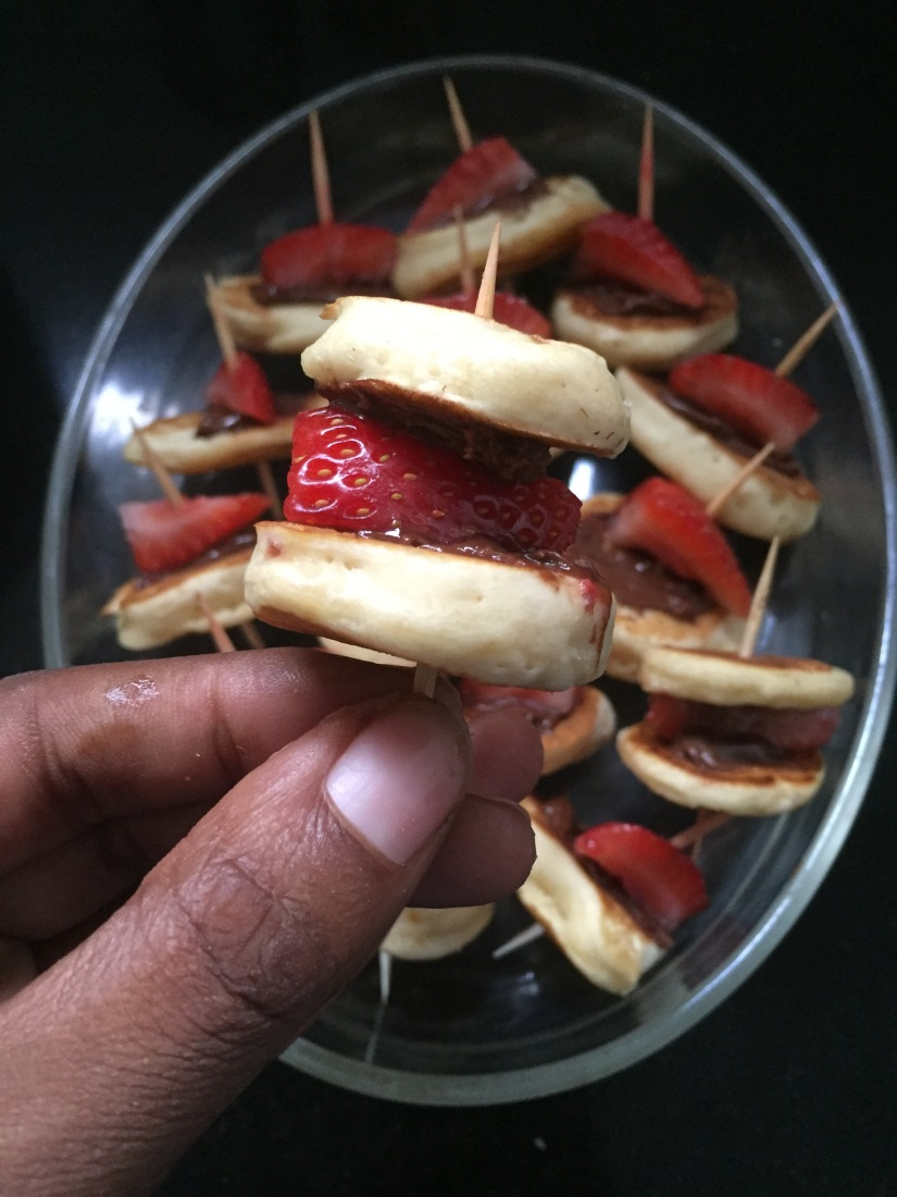 Cocktail Pancakes with Nutella and Strawberries