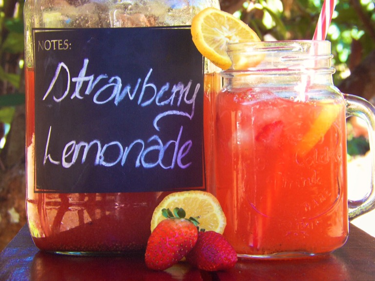 Zingy Strawberry Lemonade