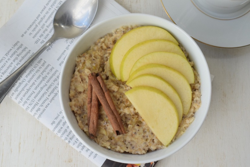 Simple Apple Pie BreakfastOatmeal