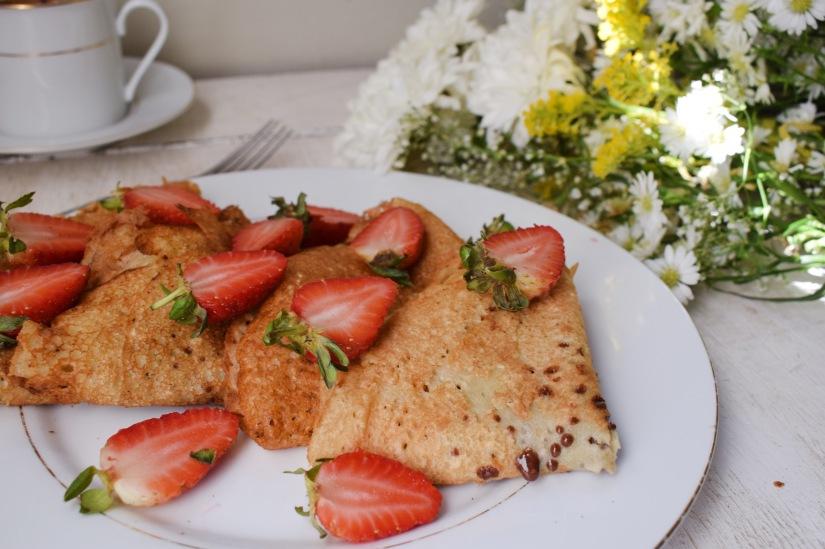 Easy Strawberry Vanilla VeganCrepes