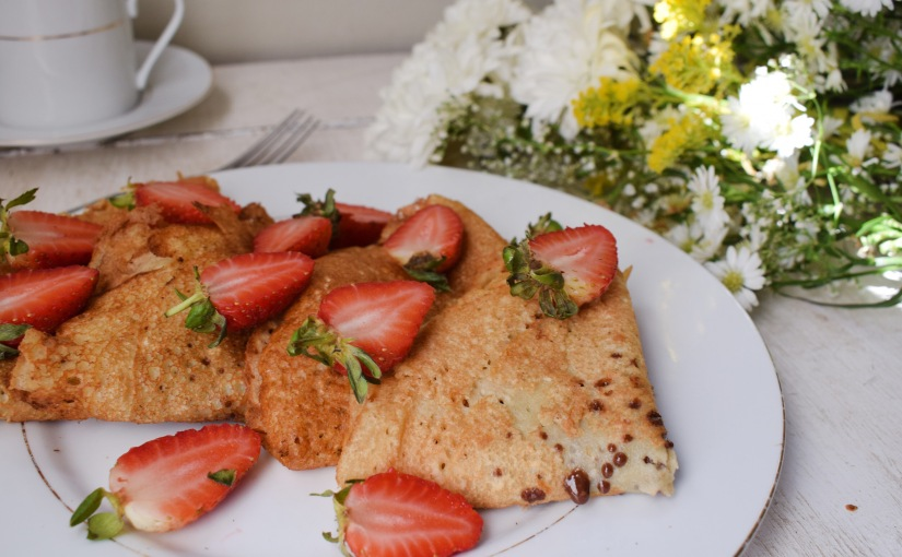 Easy Strawberry Vanilla Vegan Crepes